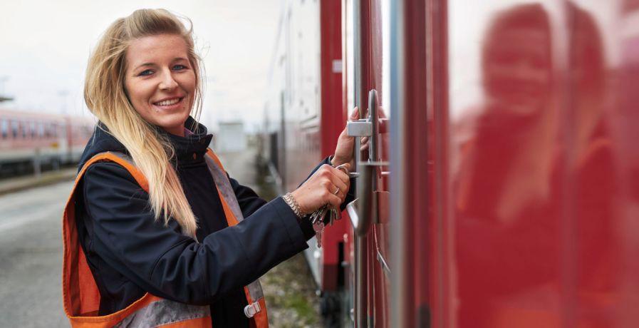 Online Event: Tag des Quereinstiegs für Frauen - Fokus Güterverkehr: Lokführer / Rangierbegleiter / Wagenmeister (w/m/d) DB am 0 bei Deutsche Bahn AG
