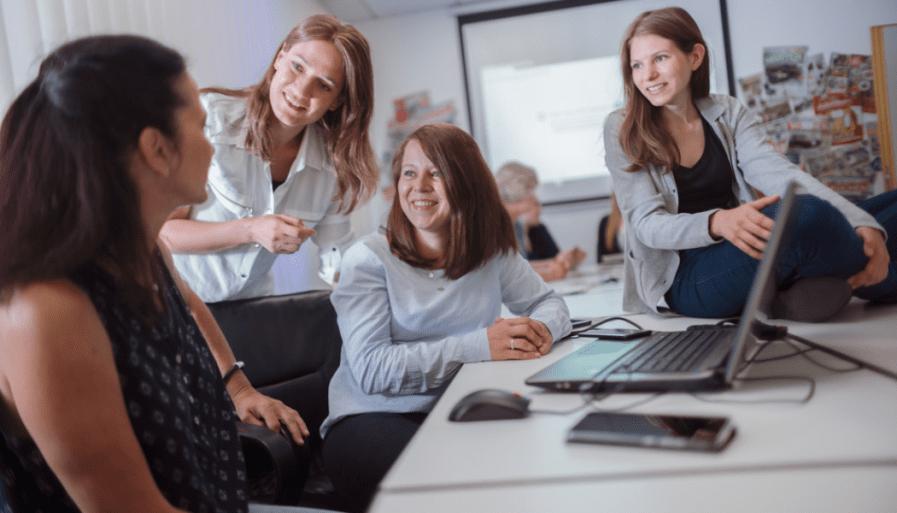 Mediengestalter / Webdesigner im Online-Marketing Team (m/w/d) - in Vollzeit oder Teilzeit bei Möbel Heinrich GmbH & Co. KG