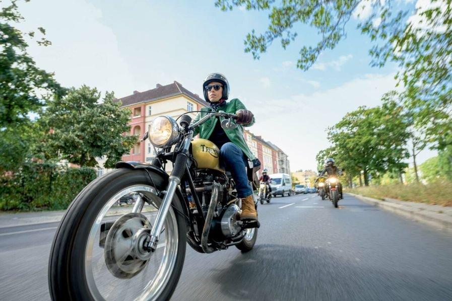 Verkäufer / Verkäuferin / Kundenberater (m/w/d) für Motorradbekleidung / Technik und Helme - auch Quereinsteiger in Vollzeit & T bei POLO Motorrad und Sportswear GmbH